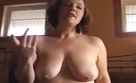 Madre perversa fa la doccia davanti al figlio