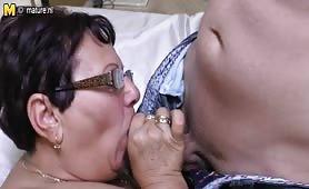 Nonna perversa scopata dal suo nipote